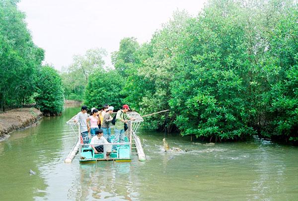 Du lịch Cần Giờ cuối tuần trải nghiệm cảm giác câu cá sấu