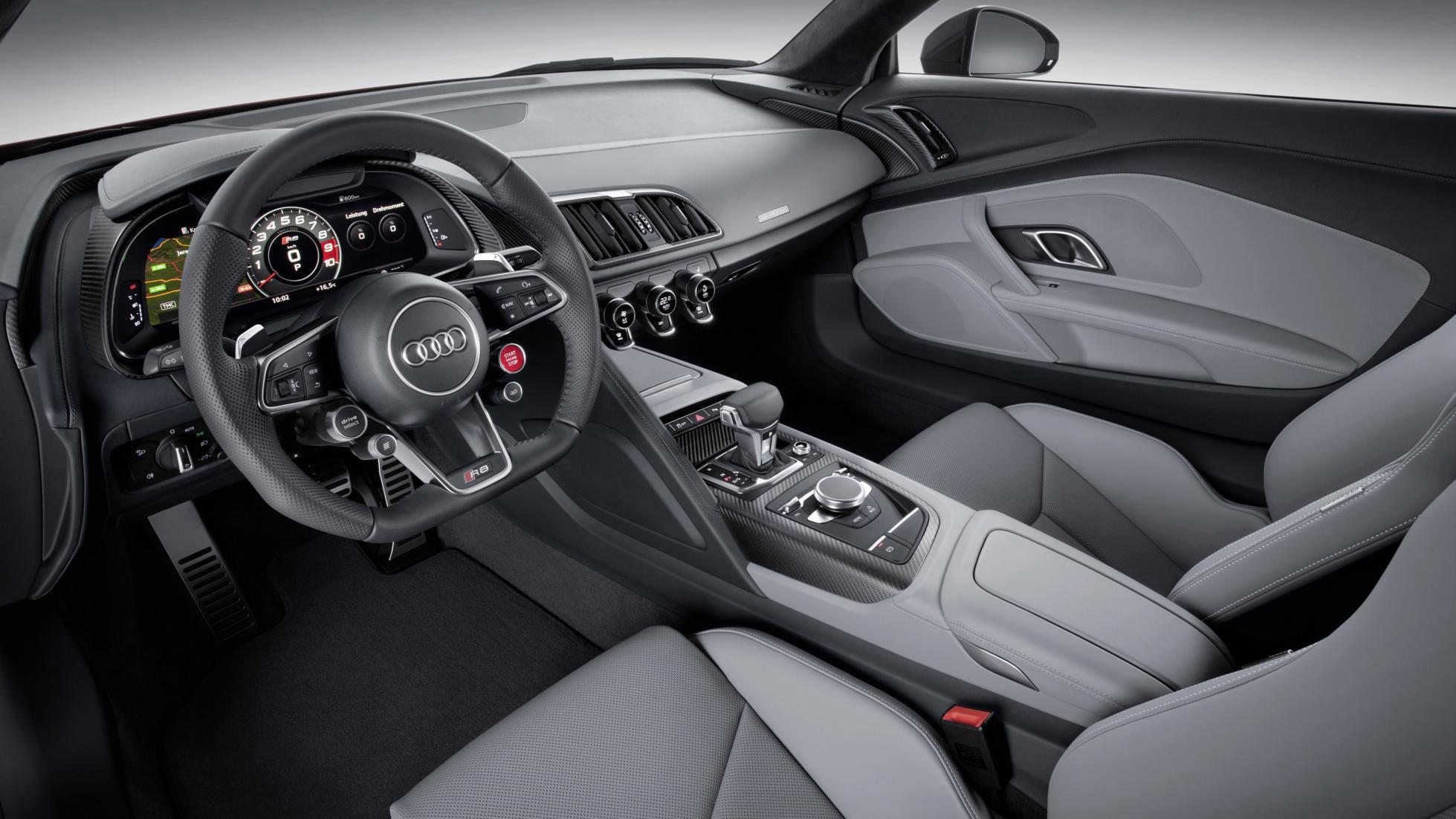 Hình ảnh Audi R8 V10 Plus 2016 có mặt tại Việt Nam