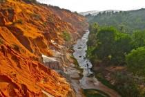 Cho thuê xe du lịch trong ngày khám phá Mũi Né độc lạ P2