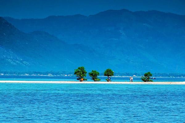 Cho thuê xe du lịch giá rẻ đi Nha Trang