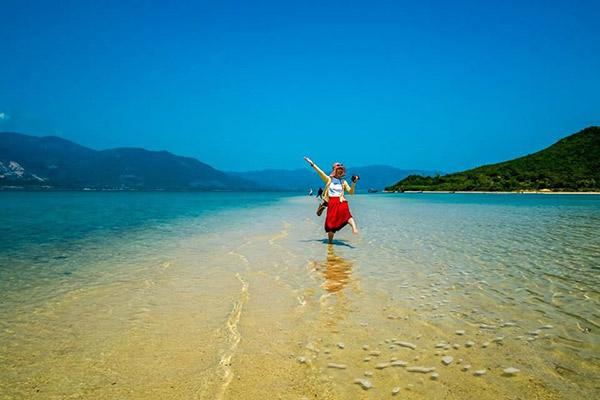 Dạo bước trên bãi biển Điệp Sơn
