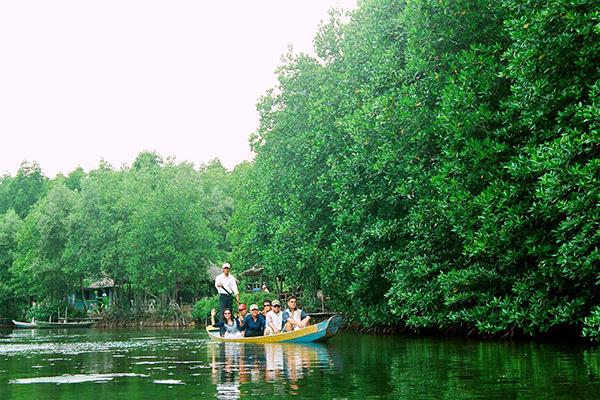 Hình ảnh cho thuê xe du lịch khám phá biển rừng Cần Giờ cuối tuần