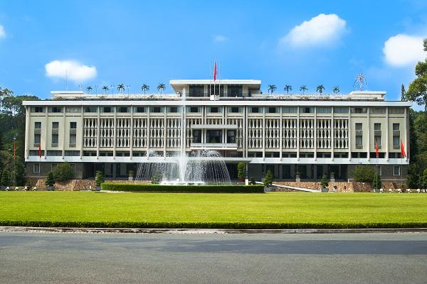 Hình ảnh khám phá 10 địa điểm nổi tiếng Sài Gòn cuối tuần
