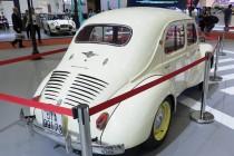 Ngắm dàn xế cổ tại triển lãm ô tô Quốc tế Việt Nam