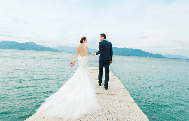 Cho thuê xe du lịch đi Nha Trang chụp ảnh cưới