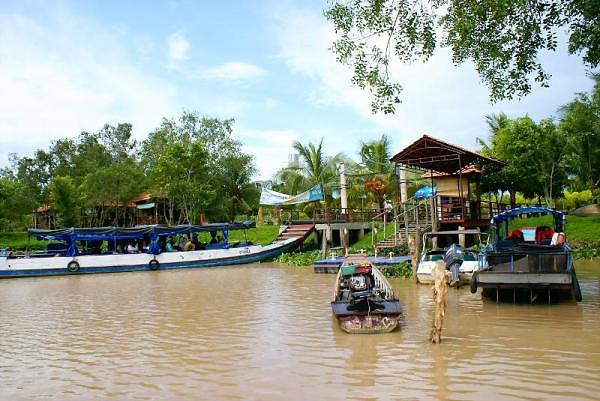 Khu du lịch Phù Sa