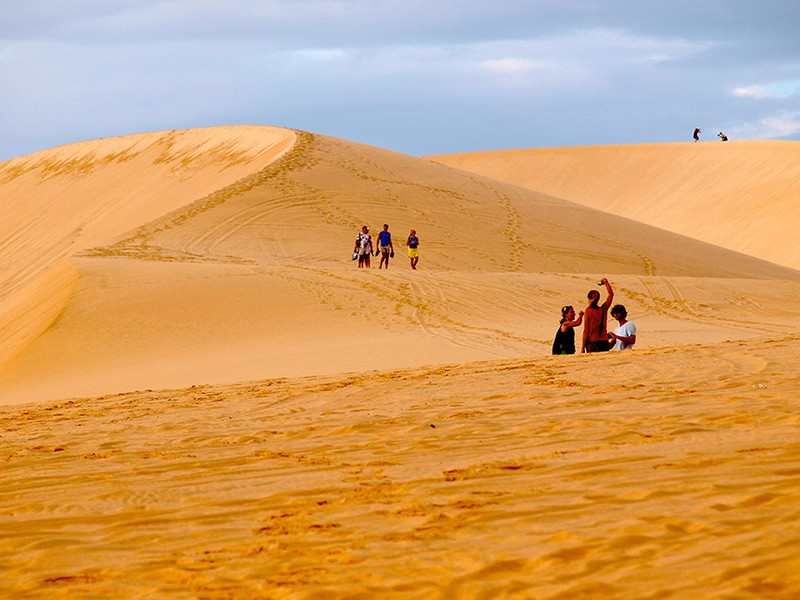 Đồi cát vàng Mũi Né