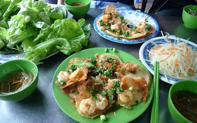 Bánh khọt gốc cây vú sữa ở Vũng Tàu